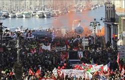 تصویر در همبستگی با مبارزه باشکوه زحمتکشان اروپا!