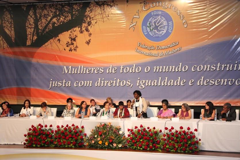 "تصویر برگزاری پانزدهمین کنگره ""فدراسیون دموکراتیک جهانی زنان"" پیام تشکیلات دموکراتیک زنان ایران به کنگره"