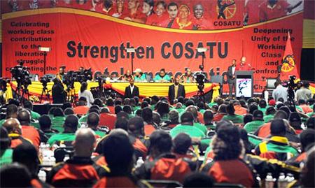 تصویر کارگران از انقلاب دموکراتیک ملی در آفریقای جنوبی، دفاع میکنند!