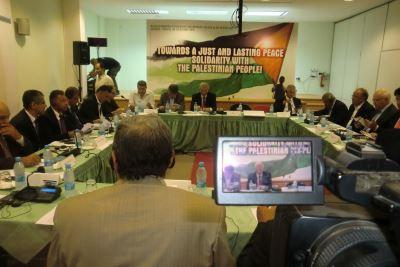 تصویر شرکتِ هیئت نمایندگیِ  حزب تودهٔ ایران در نشست منطقهایِ حزبهای کمونیست و کارگریِ خاورمیانه