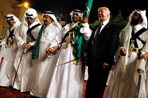 تصویر سیاستهای امپریالیسم آمریکا خاورمیانه را به آتش و خون خواهد کشید!
