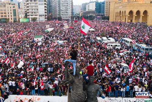 تصویر لبنان بهپا میخیزد