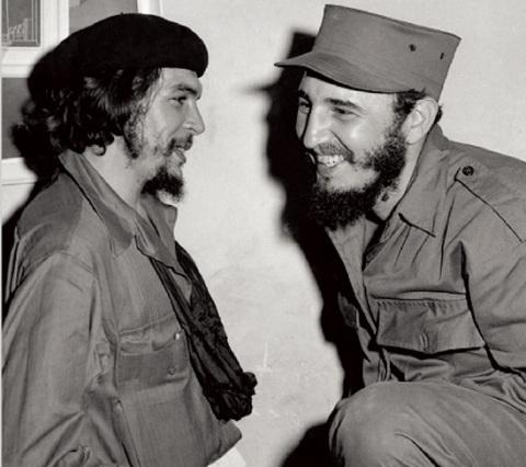 تصویر تضادی چشمگیر: کوبای سوسیالیستی در مقابل آمریکای امپریالیست