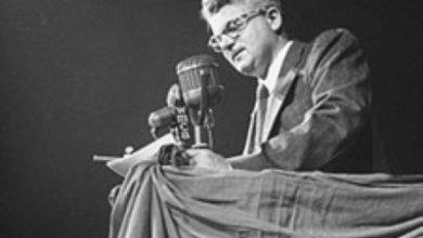 یوجین دنیسیون دلبرکل حزب کمونیست آمریکا در سال 1948